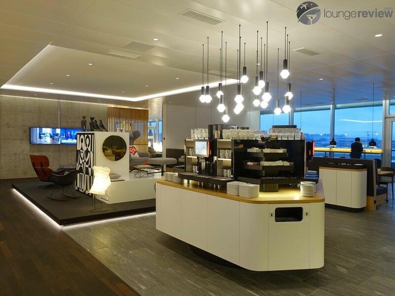 ZRH swiss business lounge zrh concourse e non schengen 07191