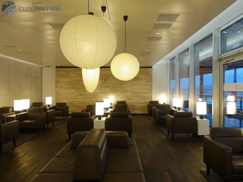 ZRH swiss business lounge zrh concourse e non schengen 07213