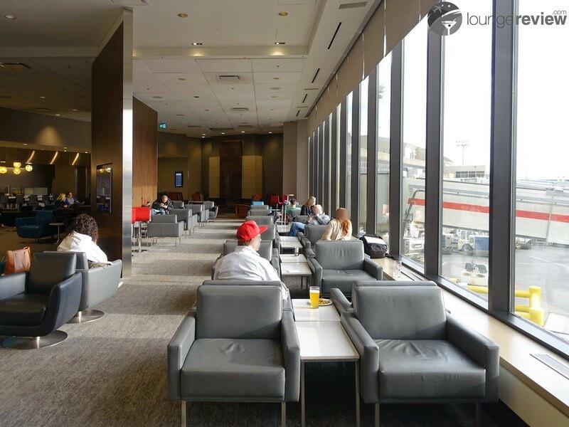 YYC air canada maple leaf lounge 09192