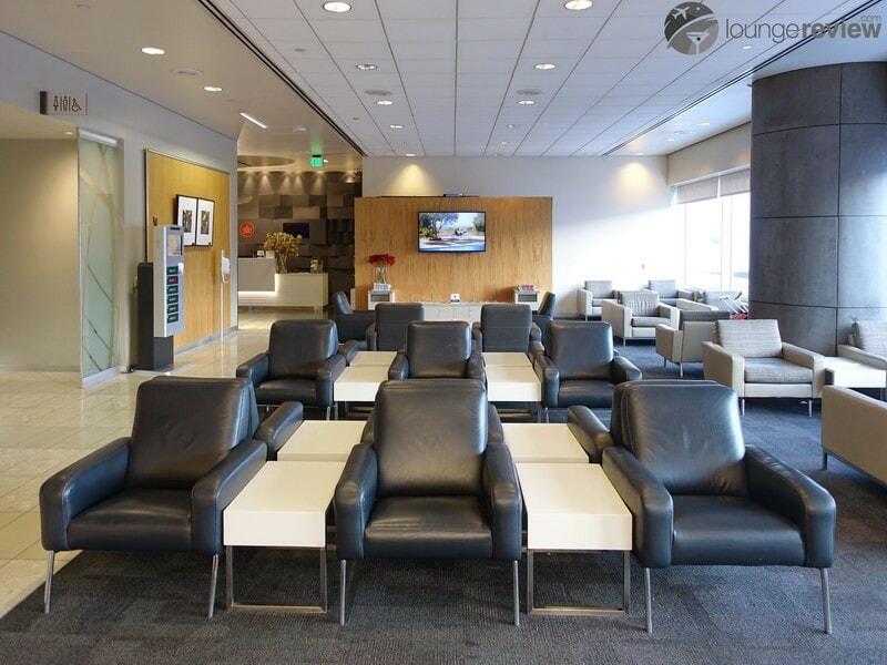 LAX air canada maple leaf lounge lax 02456 1