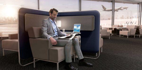 Modular workspaces at the United Polaris Lounge   © United