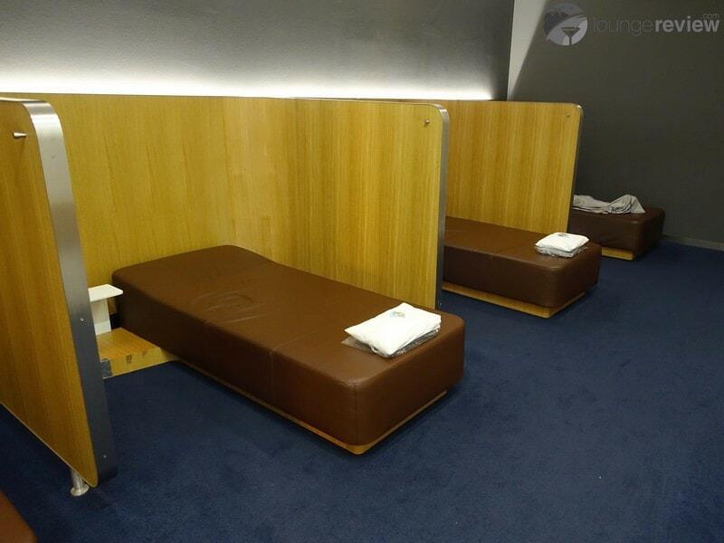 FRA lufthansa senator lounge fra a50 schengen 05907