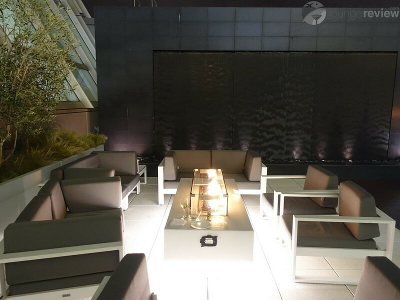 LAX star alliance business class lounge lax 02639