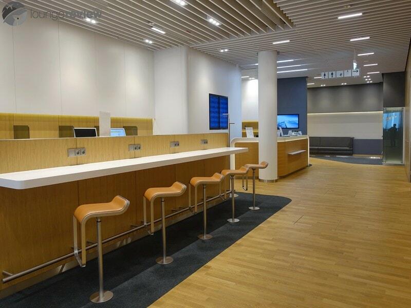 MUC lufthansa business lounge muc terminal 2 satellite schengen 06647