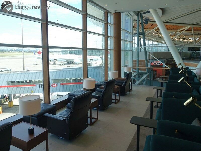 YVR cathay pacific first and business class lounge yvr 05280