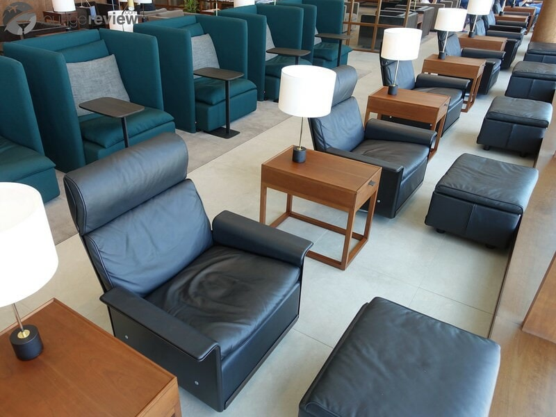 YVR cathay pacific first and business class lounge yvr 05367