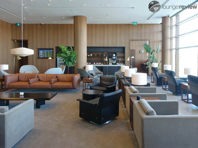 YVR cathay pacific first and business class lounge yvr 05502