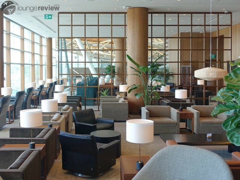YVR cathay pacific first and business class lounge yvr 05674