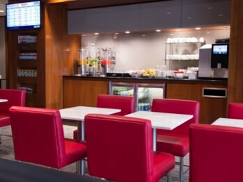 Air Canada Maple Leaf Lounge - New York/Newark, NJ (EWR) | © Air Canada