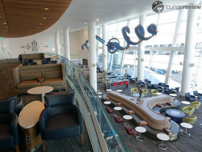 SEA delta sky club sea concourse a b 00109