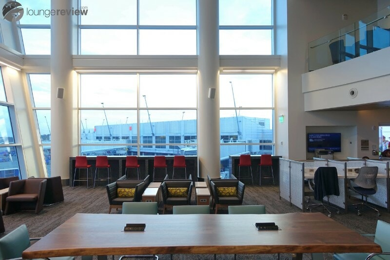 SEA delta sky club sea concourse a b 00314