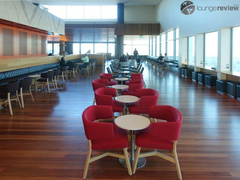 SYD qantas club syd 07743