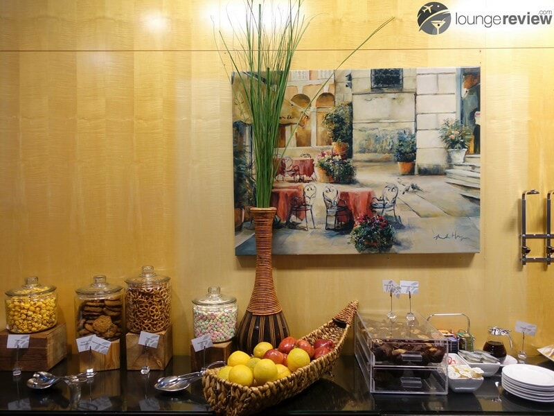 YVR plaza premium lounge yvr transborder 08899