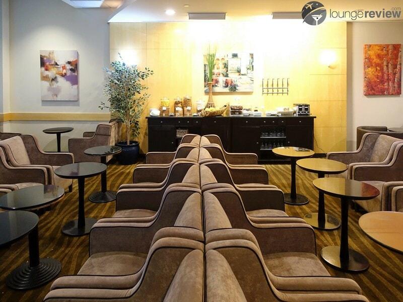 YVR plaza premium lounge yvr transborder 08909