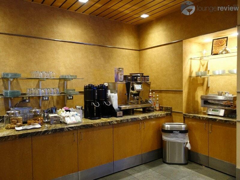 LAX alaska lounge lax 04520