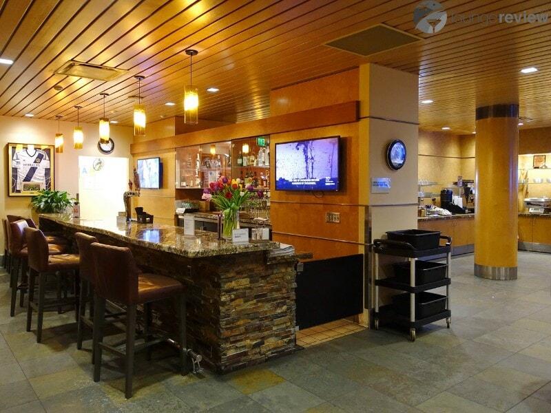 LAX alaska lounge lax 04535