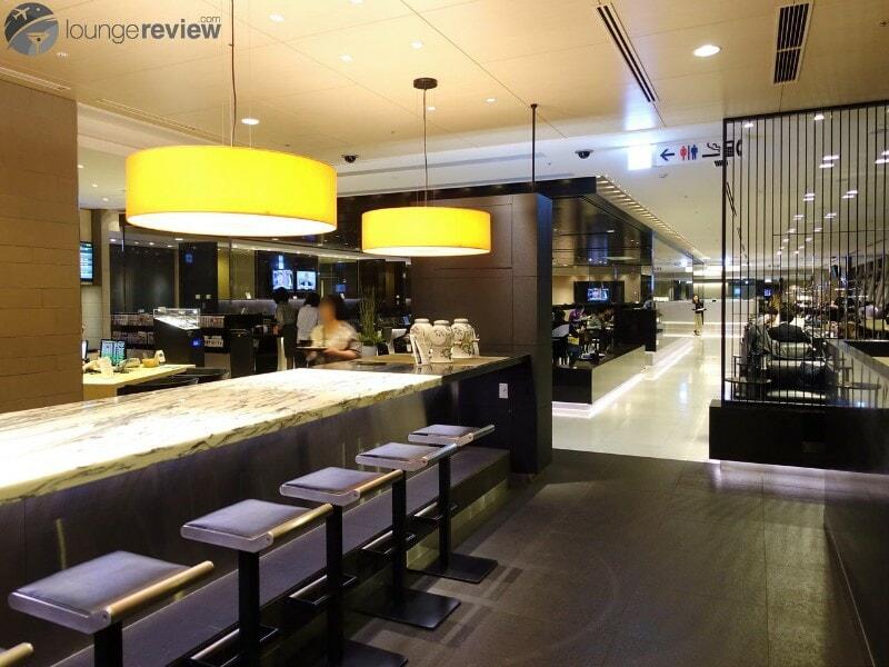 HND ana lounge hnd international gate 110 06615
