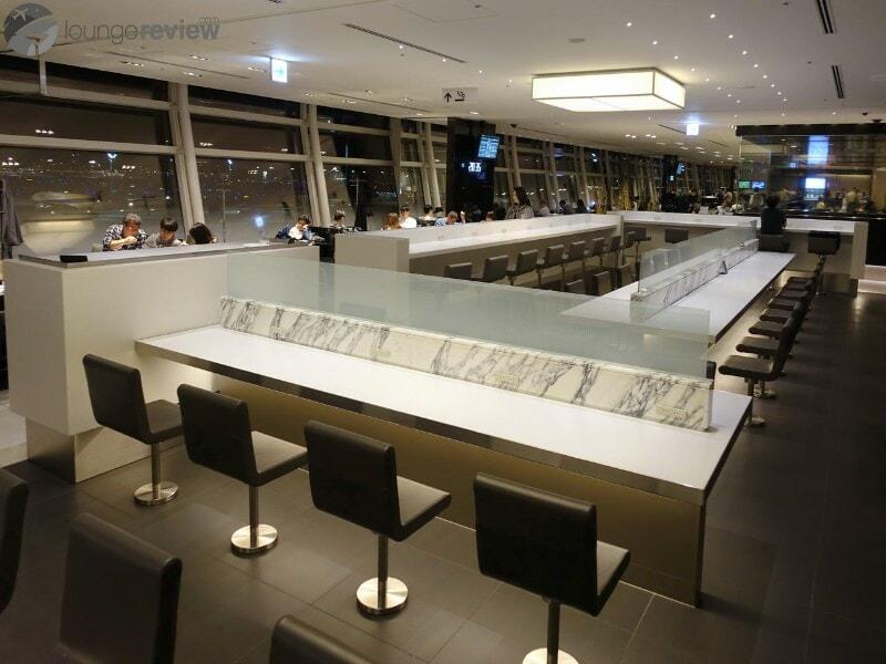 HND ana lounge hnd international gate 110 06683