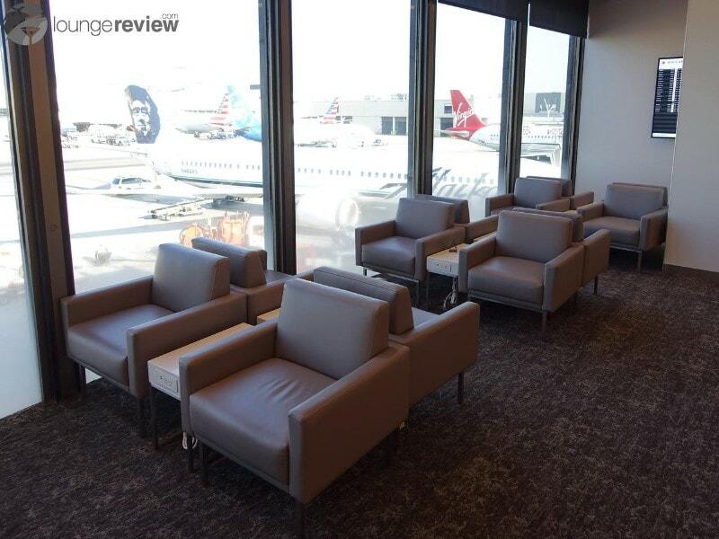 LAX air canada maple leaf lounge lax terminal 6 08663