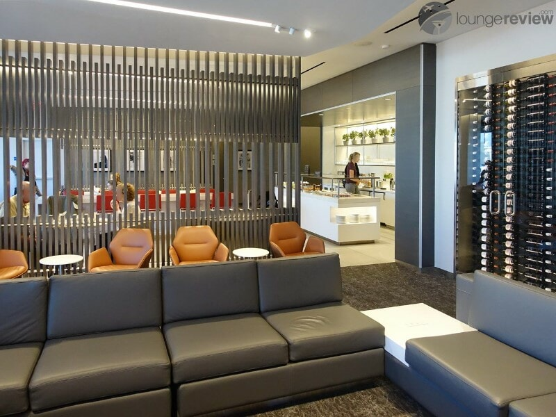 LAX air canada maple leaf lounge lax terminal 6 08681