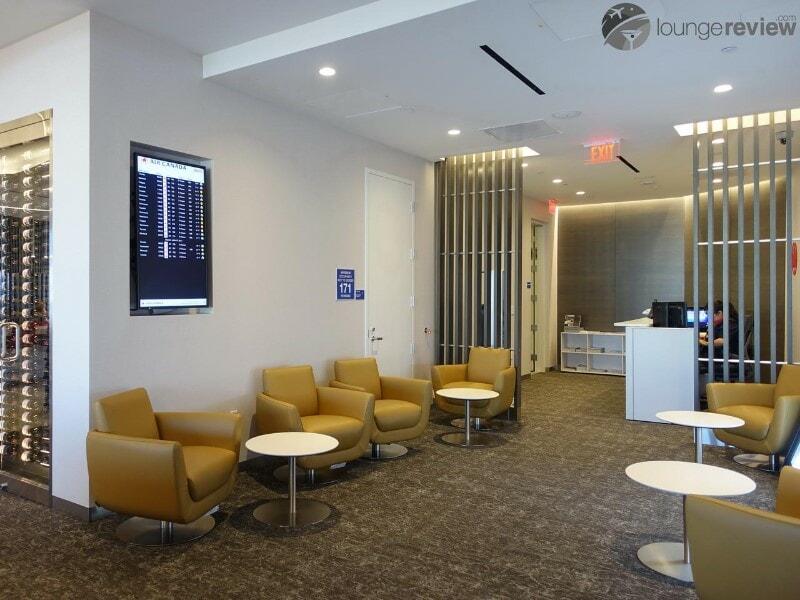 LAX air canada maple leaf lounge lax terminal 6 08688