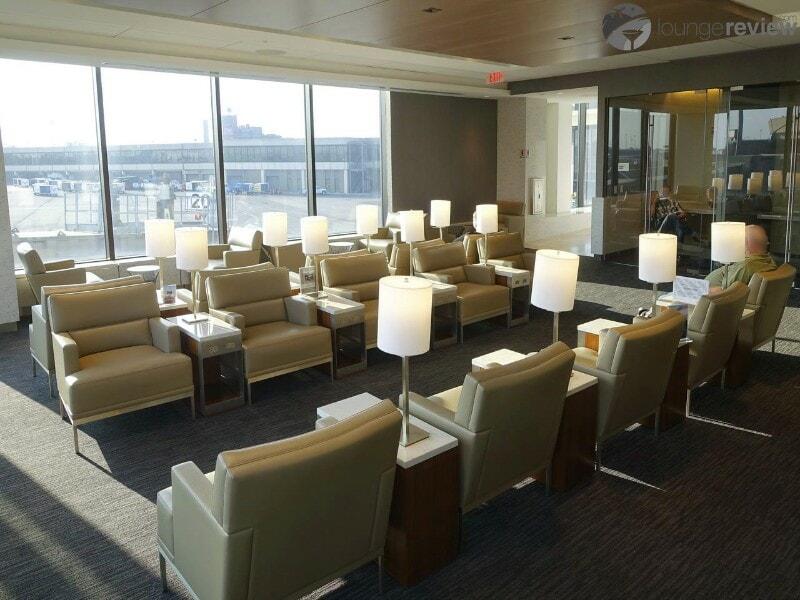 EWR united club ewr terminal a 00674