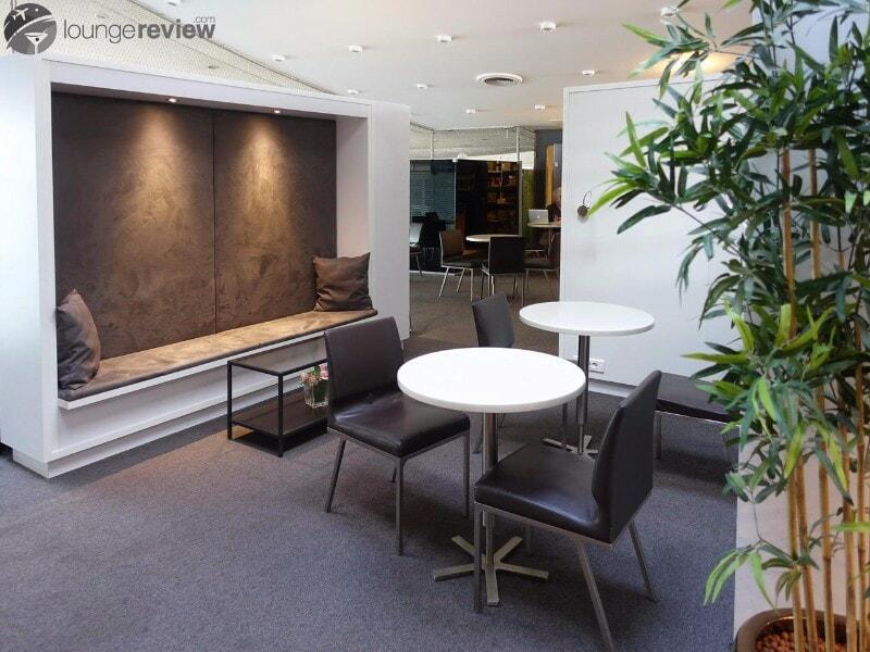 CDG sheltair lounge cdg 03391