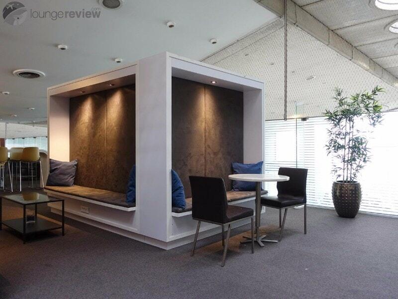 CDG sheltair lounge cdg 03467