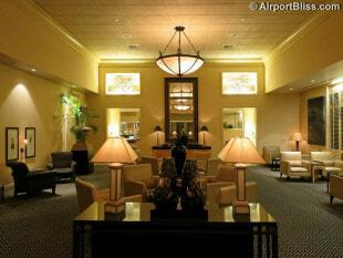 SFO united temporary business class lounge sfo 2722