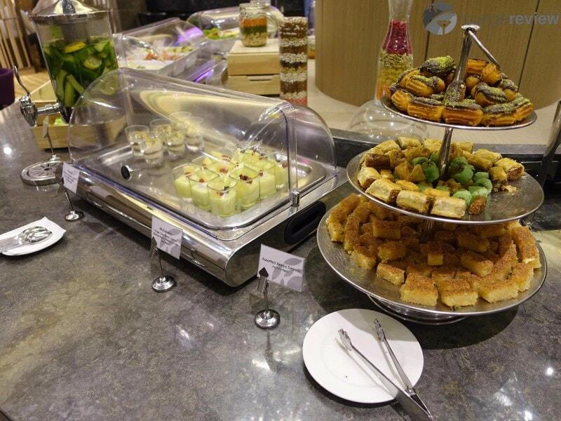 AUH al dhabi lounge plaza premium auh 06537