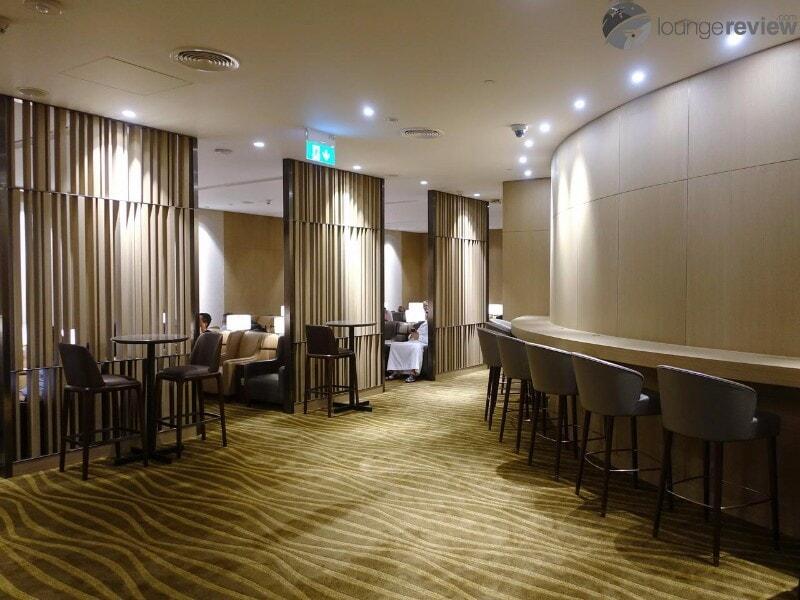 AUH al dhabi lounge plaza premium auh 06556