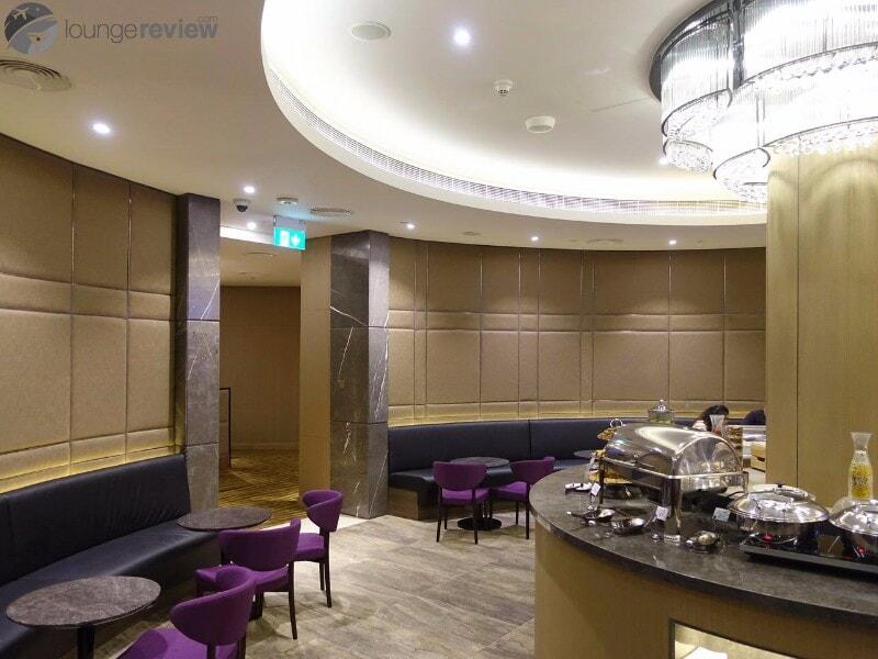 AUH al dhabi lounge plaza premium auh 06584