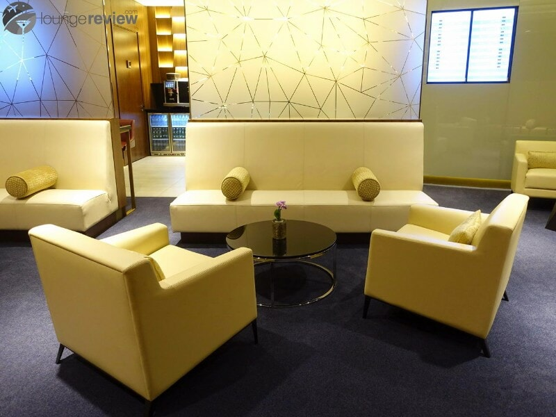 AUH etihad first class lounge and spa 07133