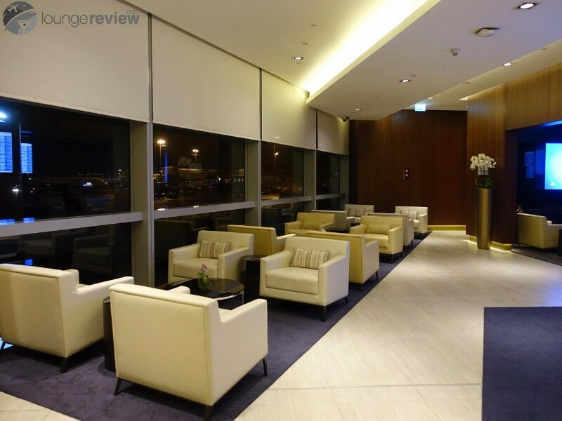 AUH etihad first class lounge and spa 07148