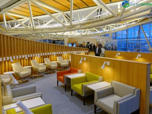 SkyTeam Vancouver Lounge seating area
