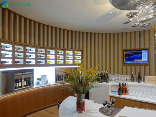SkyTeam Vancouver Lounge wine bar