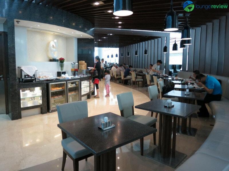 18711 PEK air china first and business class lounge pek terminal 3d 5022