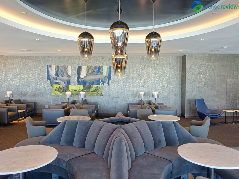 United Polaris Lounge San Francisco upper level seating area