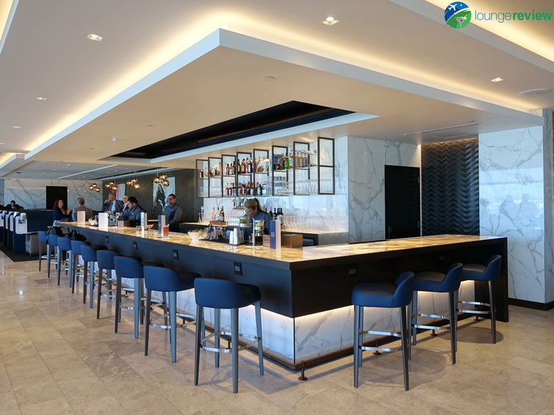 United Polaris Lounge San Francisco bar