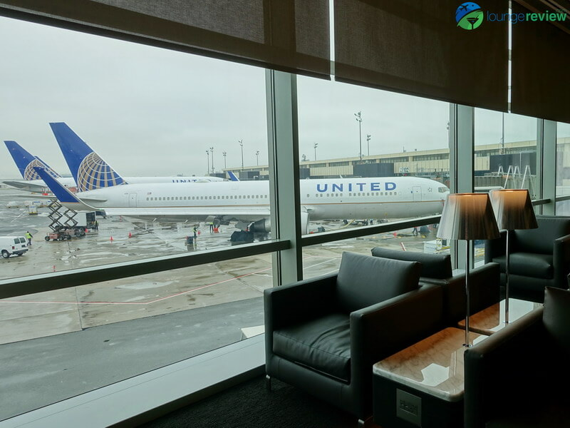 United Polaris Lounge Newark tarmac views