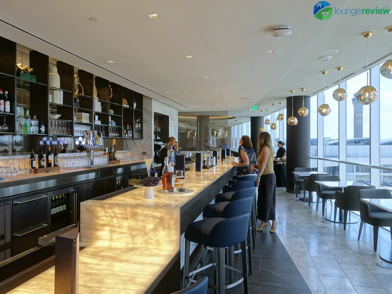 United Polaris Lounge Houston bar