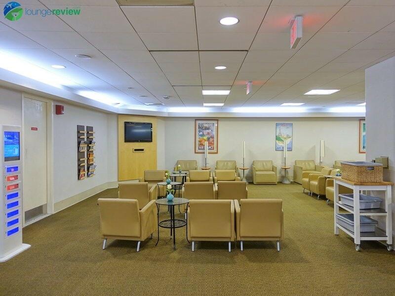 8426 BOS air france lounge bos 05714
