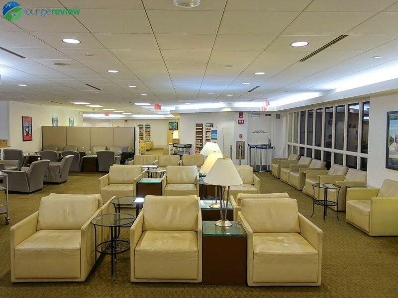 8426 BOS air france lounge bos 05784