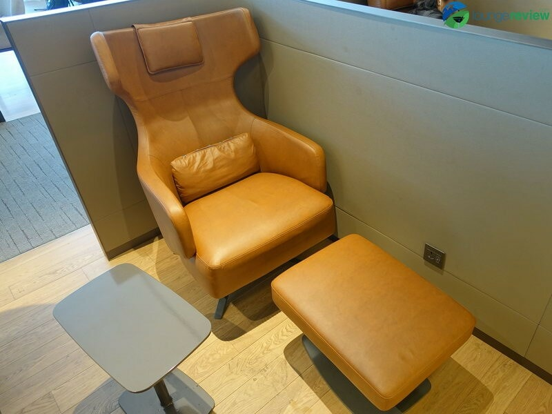 19282 ICN asiana lounge business class east 07940