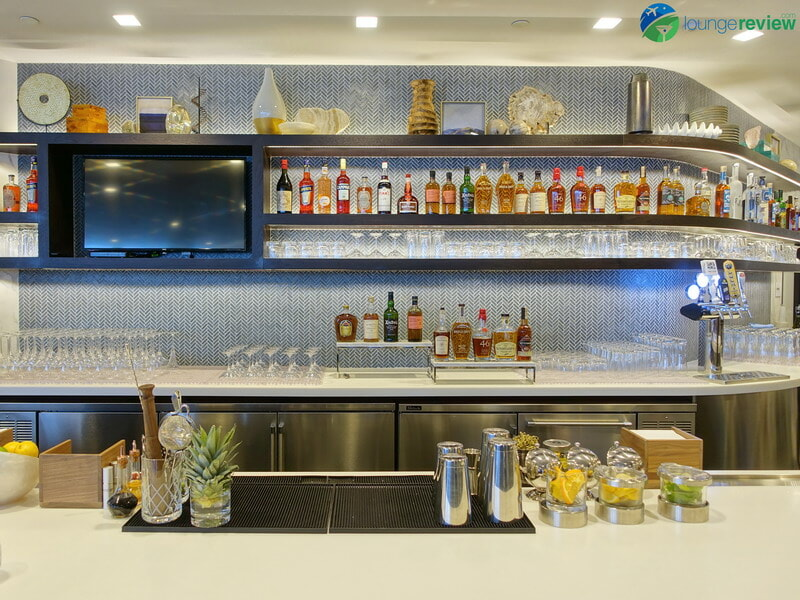 United Polaris Lounge LAX bar
