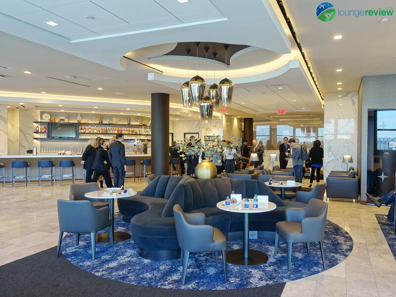 United Polaris Lounge LAX bar area