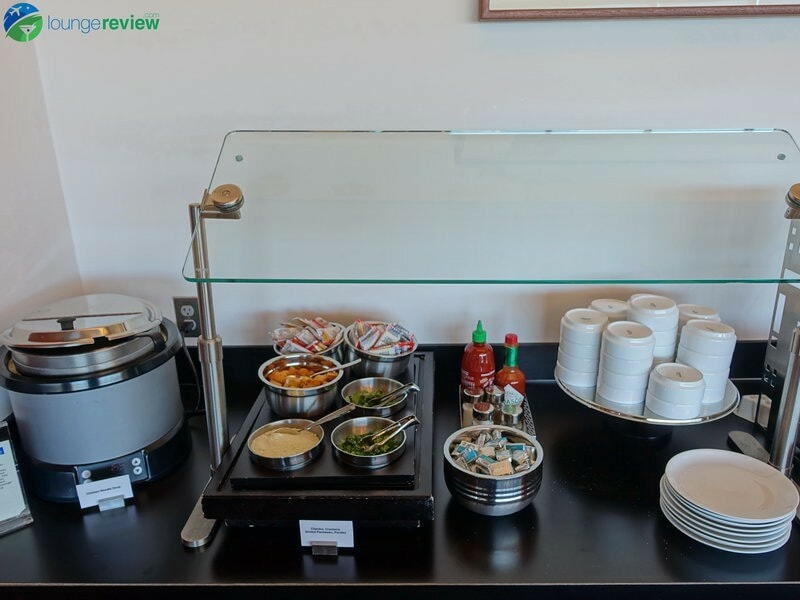 Lounge Review United Club Pdx Loungereview Com