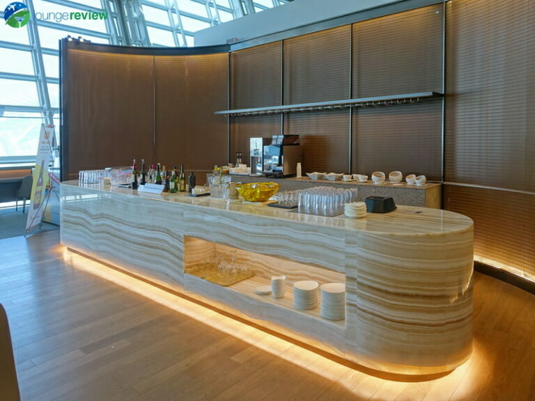 ICN asiana lounge business class central 07808 768x576
