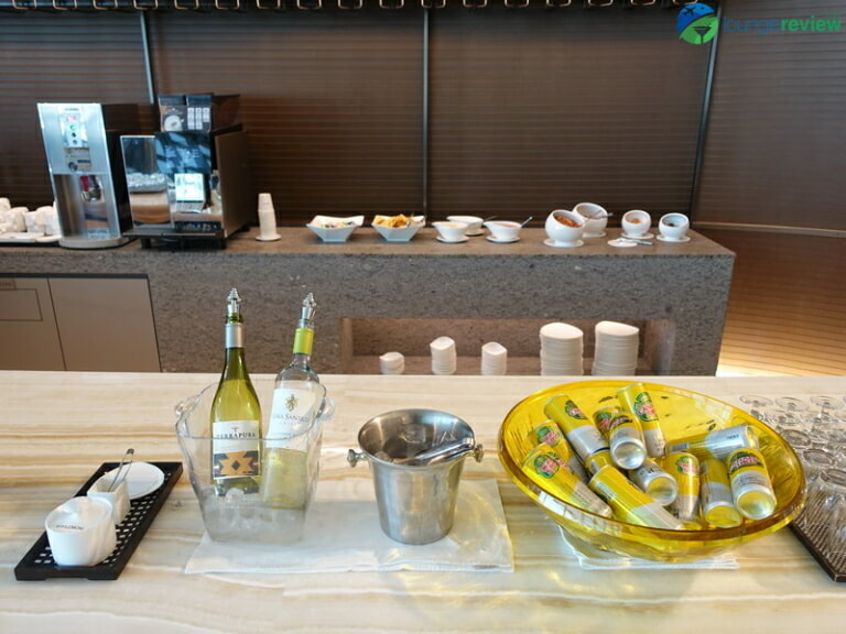 ICN asiana lounge business class central 07911 768x576