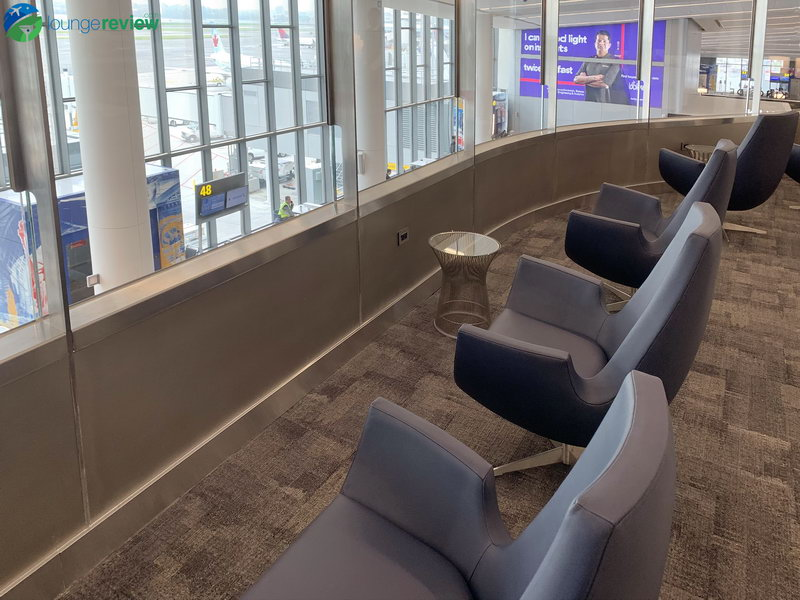 Solo seating at the new United Club New York LaGuardia